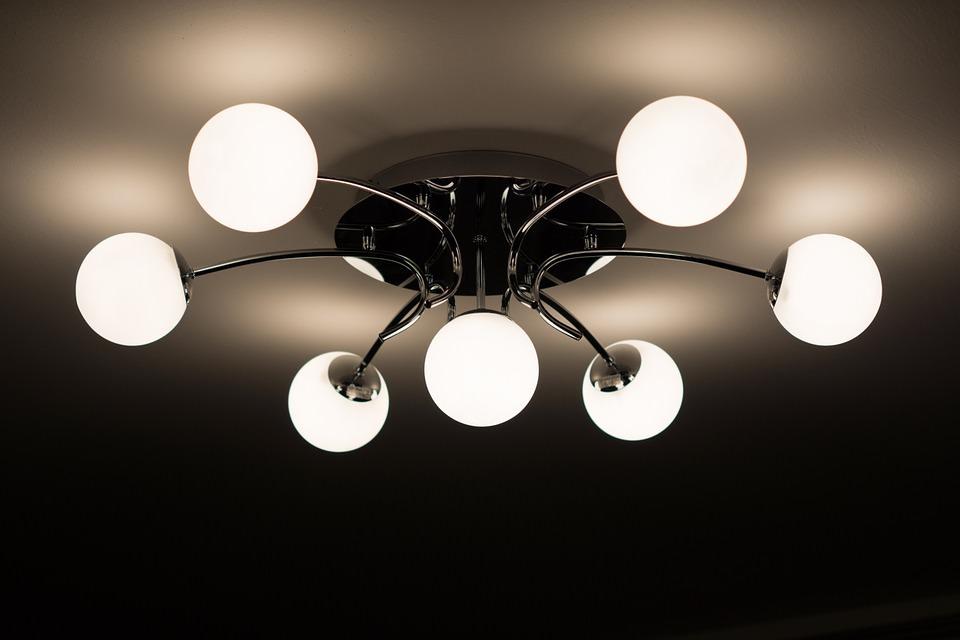 Corpi illuminanti da interni: le tipologie di lampade per i tuoi ambienti