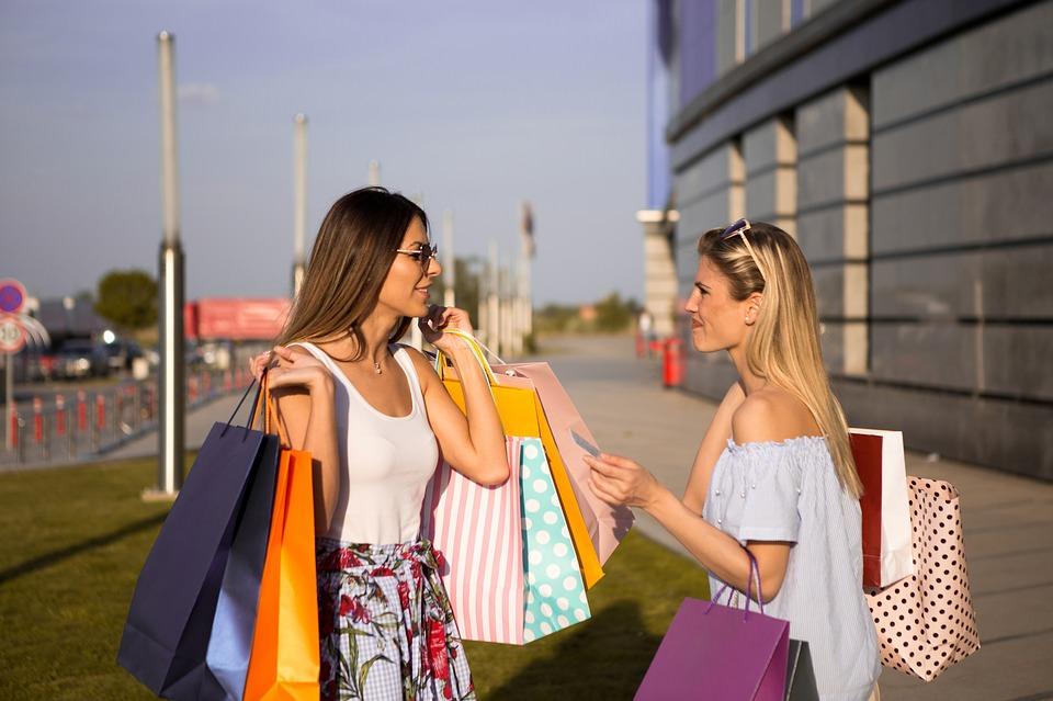 Abbigliamento donna estate 2019: cos'è di tendenza?