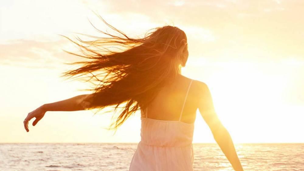 mantenere capelli sani in estate