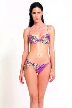 Bikini push up fantasia mandala su fondo fucsia